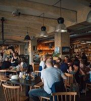 NãPLAVKA café & music bar