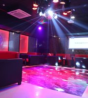 3D Liquid Lounge