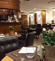 La Scene Brasserie