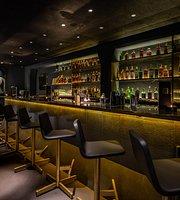 Irusu Lounge