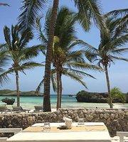 Maua Beach Club Restaurant & Pizzeria