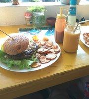 Bambini's Cafe Hikkaduwa