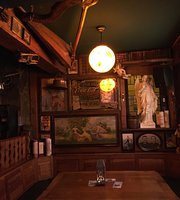 Golden Harp Irish Pub