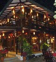Dash! Restaurant and Bar