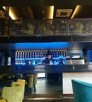 Quench Cafe & Lounge