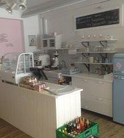 Café im Mamiladen