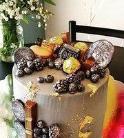 Oksa Cakes