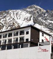 Alpine Lounge Kazbegi Hotel & Restaurant