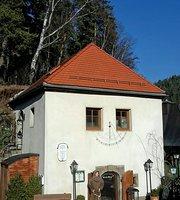 Historische Gaststatte Kleine Burg