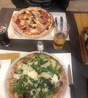 Tommi Farina Pizzeria Pub