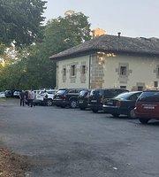 Albergue Restaurante Ermita De Carrasquedo