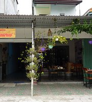 Ha Lan Homestay & Restaurant