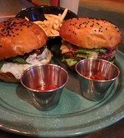 Flamante Burgers & Friends