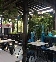 Le Picnic Cafe