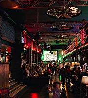 Art Pub Garage