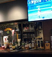 Irish Pub Shamrock 'N' Roll Star