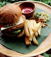 Maco's Kitchen & grill