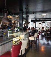 Amstel Place