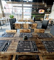 Pestucci Restaurant & Pub