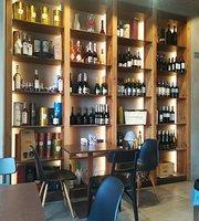 Tuci Cafe
