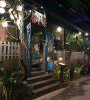 Cafe Chez Oanh