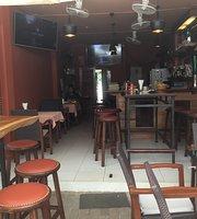 Bo's Beach Bar and Restaurant