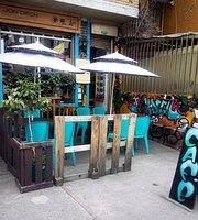 Jon Dech Cafe