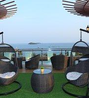 Phung Hung Rooftop Bar & Lounge