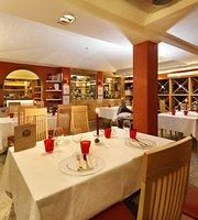 Mota Restaurant & Winery