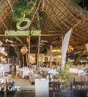 Mandarina's Cafe