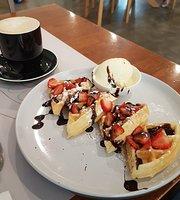 Fee's Coffee House