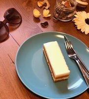 Biskvit Coffee & Desserts