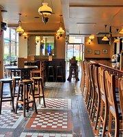 Jet Set Pub