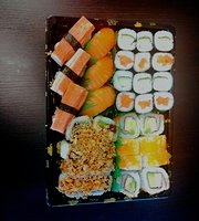 Akama sushi & Pokebowls