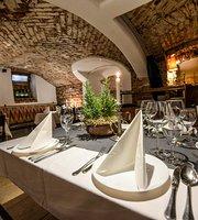 Borpince Hungarian Restaurant and winebar