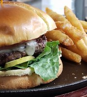 Maker's Mountain Eatery, Tap House and Wine Bar