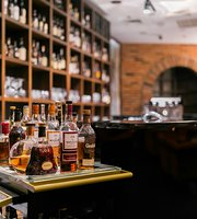 The Cigar Shop & Whisky Lounge