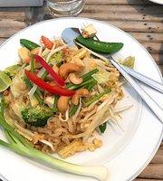 Cha-am Little Shop & Resort Restaurant