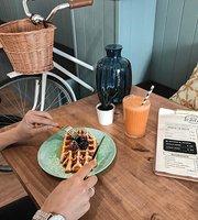 El Recreo Cafe