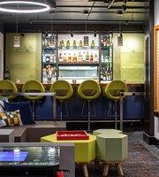 Pineapple Bistro & Bar