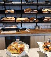 MAK Bread&Coffee