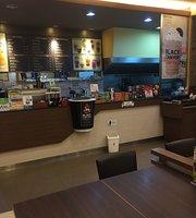 Black Canyon Coffee & Eatery