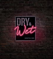 Dry & Wet Cocktail Bar