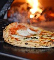 Trattoria Pizzeria Logic Nagano