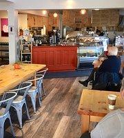 De la Terre Cafe + Bakery