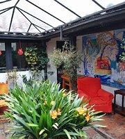 Cafe de la Peña Pasteleria Francesa