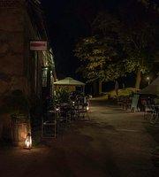 Cafe Magenta