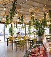 Nera Restaurant & Grill