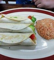Mexican Snacks, tacos y tortas