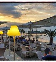 La Playa lounge bar